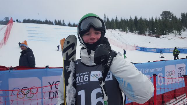 Waddell flies to ninth in Slopestyle