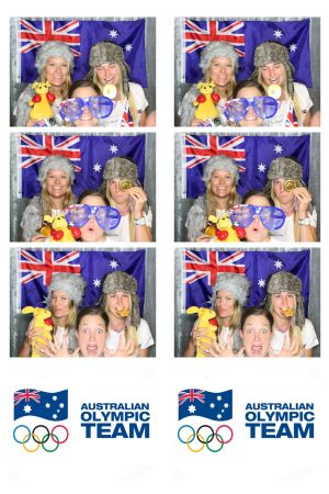 Freestyle skiers in the photo booth
